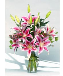 Gorgeous, fragrant, and a very popular choice, stargazer lily bouquets.
