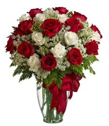 Classic - Fresh Vased Roses